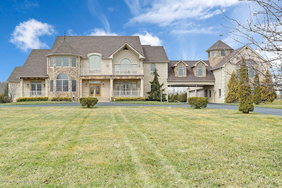 Single Family Home for Sale at 8 Joan Drive 8 Joan Drive Millstone, New Jersey 08510 United States