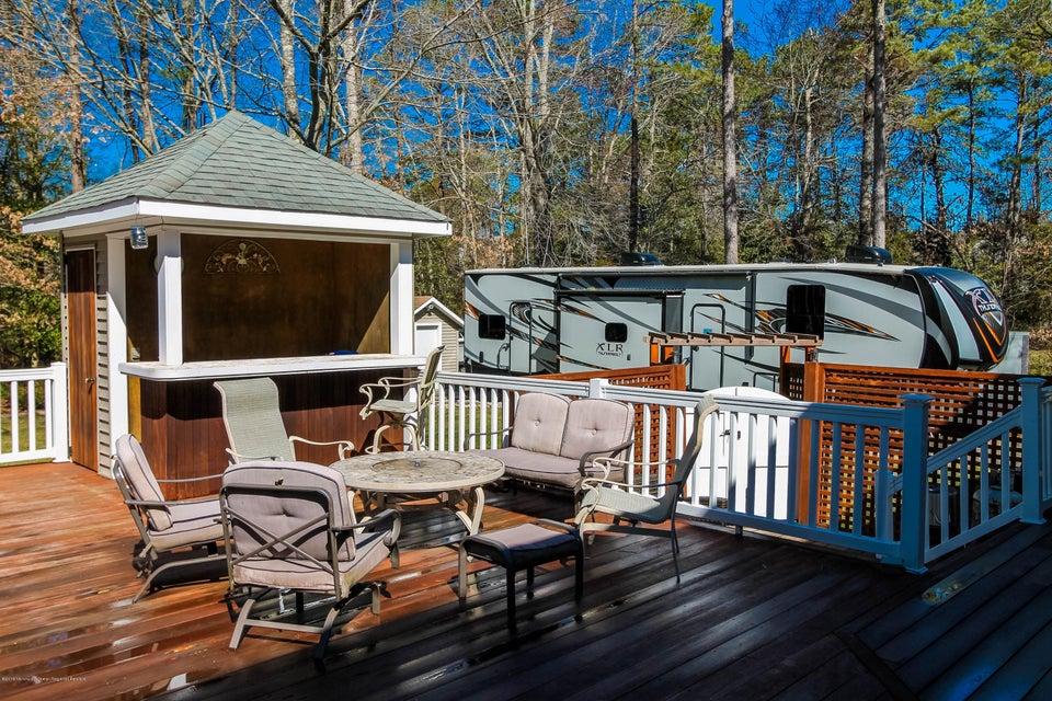 21 deck pool house
