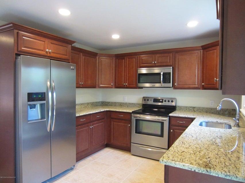Maison unifamiliale pour l à louer à 22 Lasatta Avenue 22 Lasatta Avenue Englishtown, New Jersey 07726 États-Unis