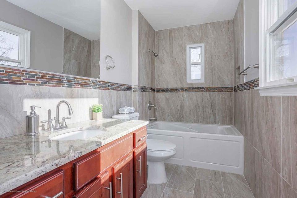 Additional photo for property listing at 44 Ravine Way 44 Ravine Way Keyport, Nueva Jersey 07735 Estados Unidos