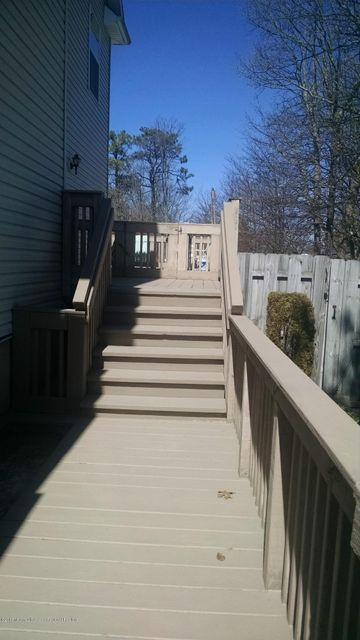 Additional photo for property listing at 383 Old Toms River Road 383 Old Toms River Road Brick, Nueva Jersey 08723 Estados Unidos