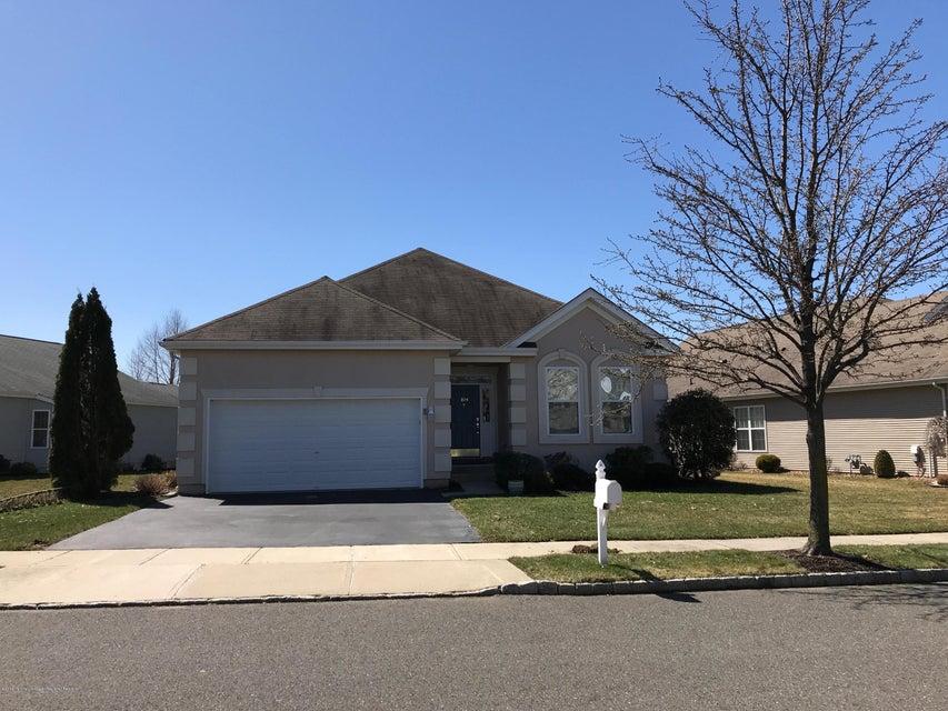 Maison unifamiliale pour l Vente à 104 Minuteman Circle 104 Minuteman Circle Allentown, New Jersey 08501 États-Unis