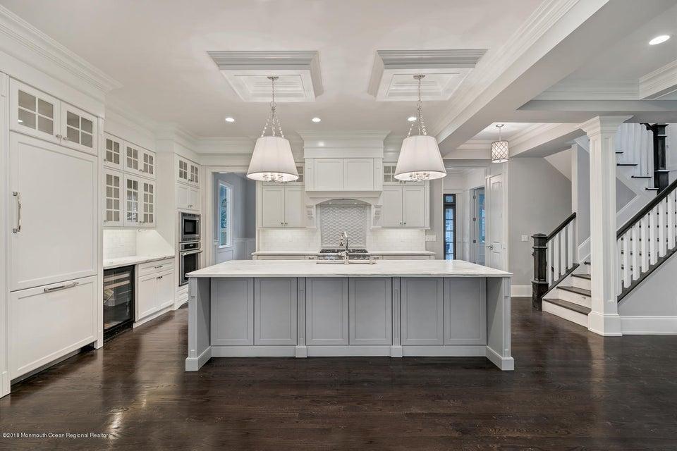 Casa para uma família para Venda às 12 Park Avenue 12 Park Avenue Rumson, Nova Jersey 07760 Estados Unidos