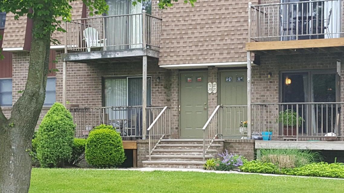 Condominio por un Alquiler en 31 Ginger Court 31 Ginger Court Eatontown, Nueva Jersey 07724 Estados Unidos