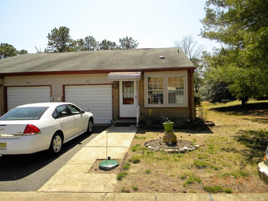 Casa Unifamiliar por un Alquiler en 11 Easton Drive 11 Easton Drive Whiting, Nueva Jersey 08759 Estados Unidos