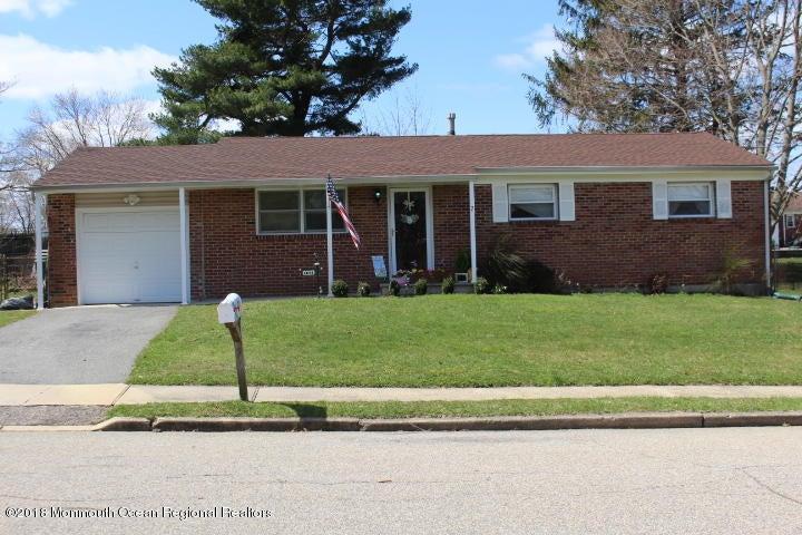 Vivienda unifamiliar por un Venta en 7 Norman Drive 7 Norman Drive Neptune, Nueva Jersey 07753 Estados Unidos