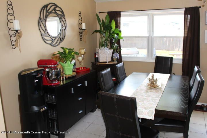 Additional photo for property listing at 7 Norman Drive 7 Norman Drive Neptune, Nueva Jersey 07753 Estados Unidos