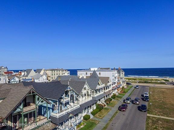 独户住宅 为 销售 在 7 Ocean Pathway 7 Ocean Pathway Ocean Grove, 新泽西州 07756 美国