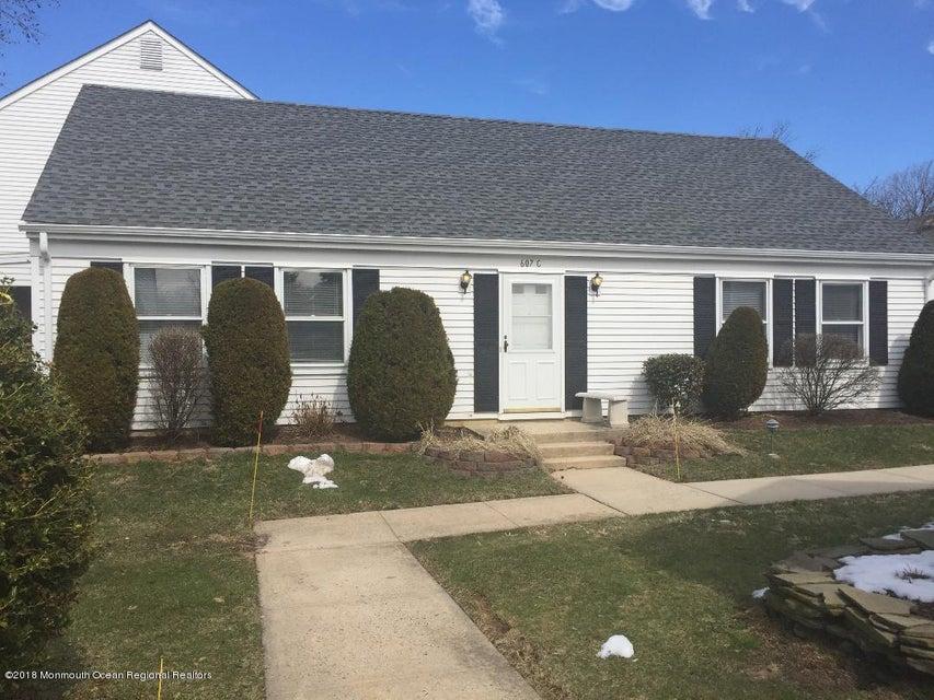 Casa Unifamiliar por un Alquiler en 607C Winchester Lane 607C Winchester Lane Monroe, Nueva Jersey 08831 Estados Unidos