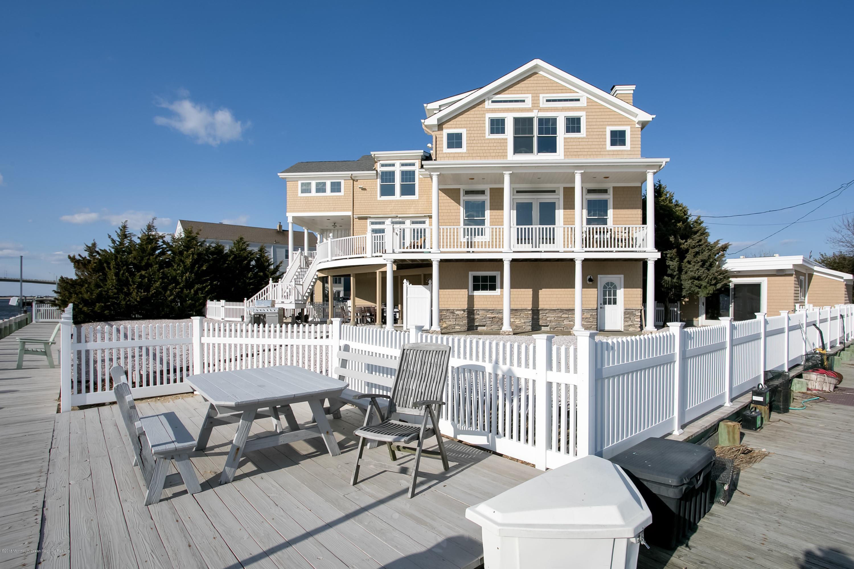 Casa Unifamiliar por un Venta en 14 South Way 14 South Way Sea Bright, Nueva Jersey 07760 Estados Unidos
