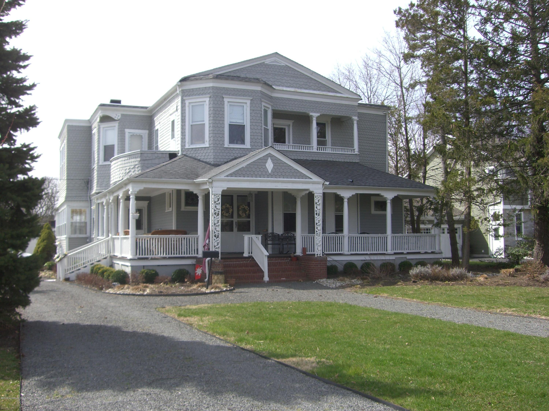 独户住宅 为 销售 在 64 Hollywood Avenue 64 Hollywood Avenue 朗布兰奇, 新泽西州 07764 美国