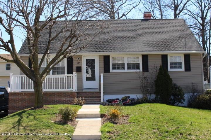 独户住宅 为 销售 在 37 Worth Street 37 Worth Street 伊瑟林, 新泽西州 08830 美国