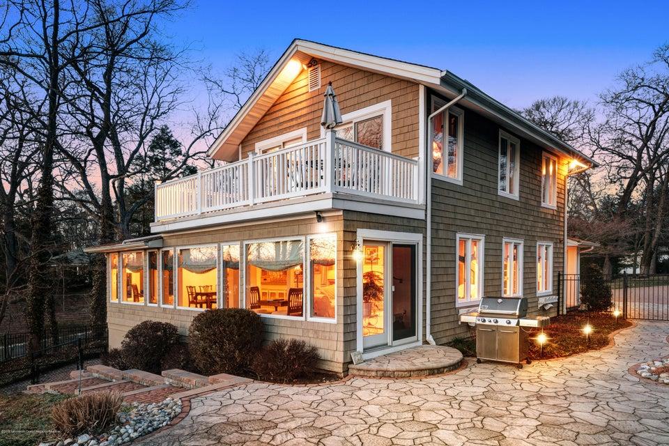 Einfamilienhaus für Verkauf beim 2395 Riverside Terrace 2395 Riverside Terrace Manasquan, New Jersey 08736 Vereinigte Staaten