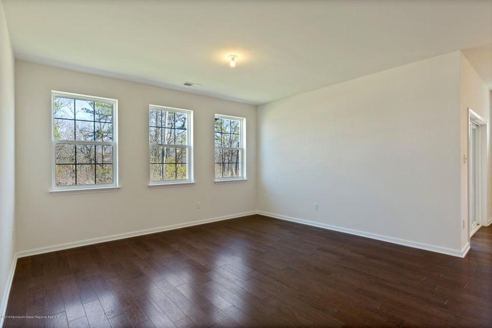 Additional photo for property listing at 25 Woodchuck Drive 25 Woodchuck Drive Barnegat, Nova Jersey 08005 Estados Unidos
