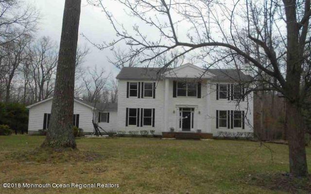 獨棟家庭住宅 為 出售 在 8 Tall Oaks Court 8 Tall Oaks Court Farmingdale, 新澤西州 07727 美國