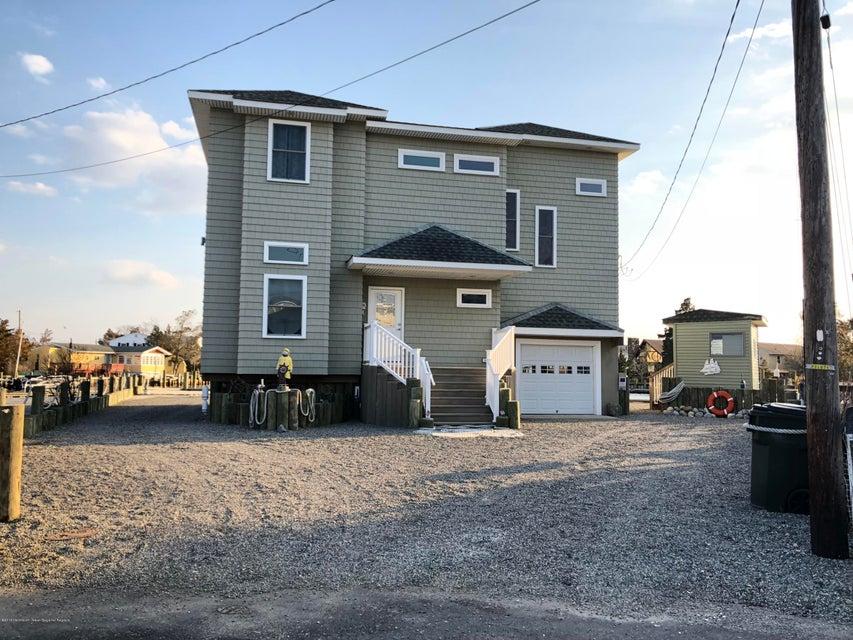 独户住宅 为 销售 在 86 Dolphin Road 86 Dolphin Road Tuckerton, 新泽西州 08087 美国