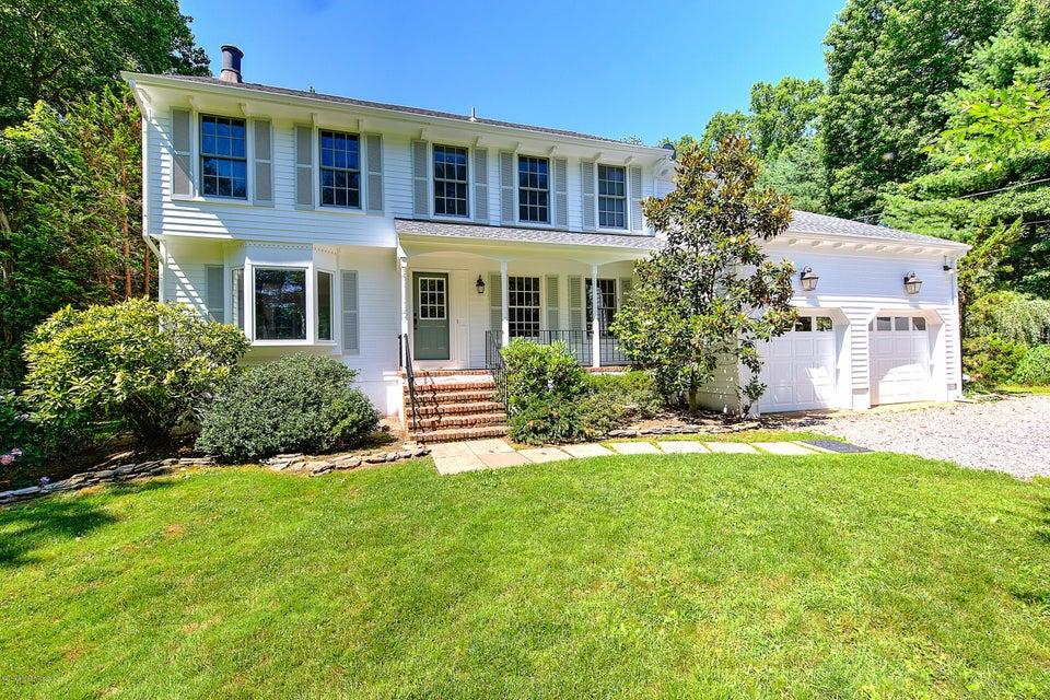 Tek Ailelik Ev için Satış at 676 Locust Point Road 676 Locust Point Road Locust, New Jersey 07760 Amerika Birleşik Devletleri