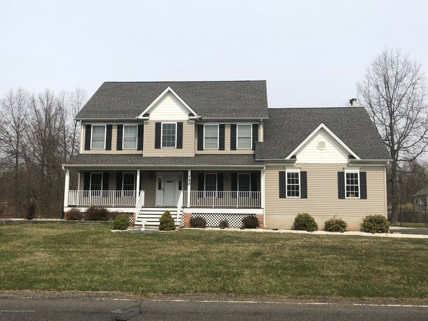 独户住宅 为 销售 在 750 Clawson Avenue 750 Clawson Avenue 希尔斯堡, 新泽西州 08844 美国