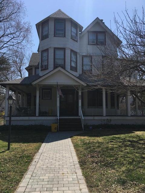 Casa Unifamiliar por un Alquiler en 4 Beechwood Avenue 4 Beechwood Avenue West Long Branch, Nueva Jersey 07764 Estados Unidos