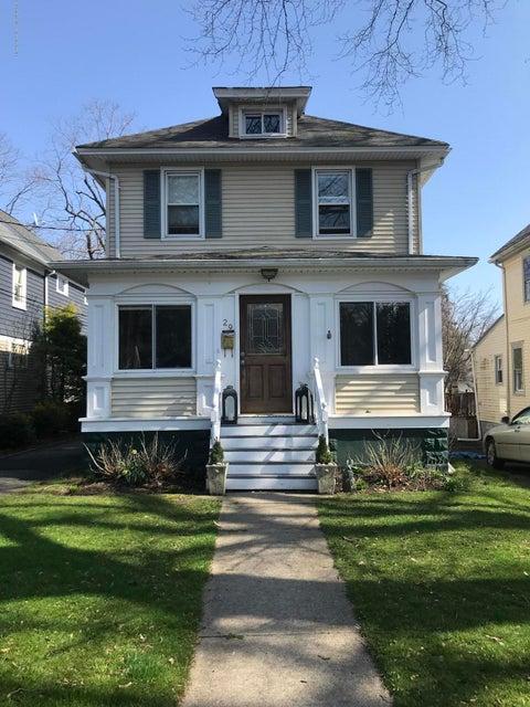 独户住宅 为 出租 在 29 Brown Place 29 Brown Place 雷德班克, 新泽西州 07701 美国
