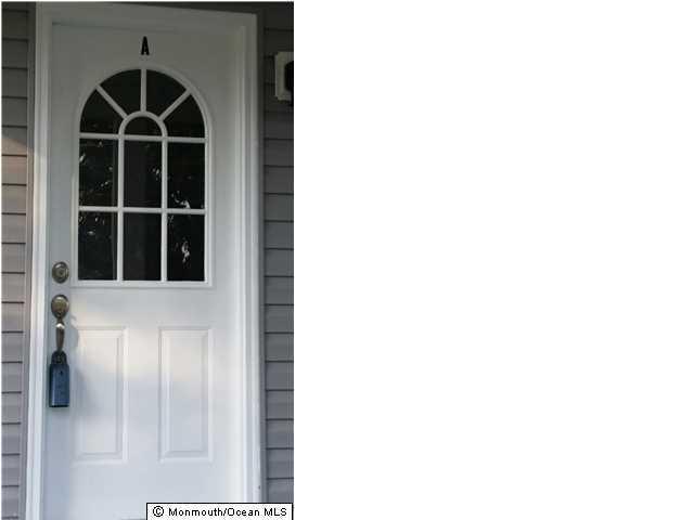 Casa Unifamiliar por un Alquiler en 15 Fountain Avenue 15 Fountain Avenue Matawan, Nueva Jersey 07747 Estados Unidos