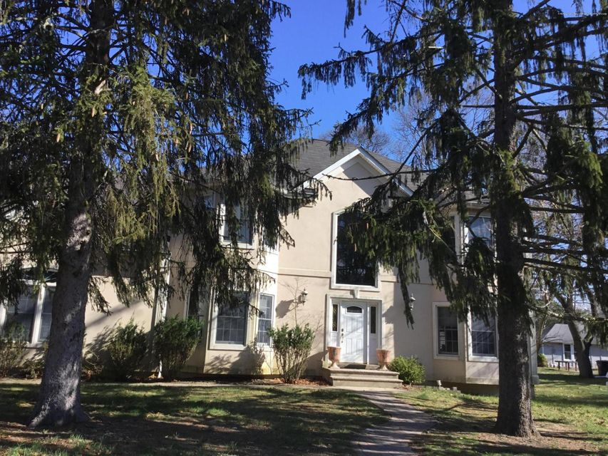 Single Family Home for Sale at 557 Lincoln Avenue 557 Lincoln Avenue Oakhurst, New Jersey 07755 United States