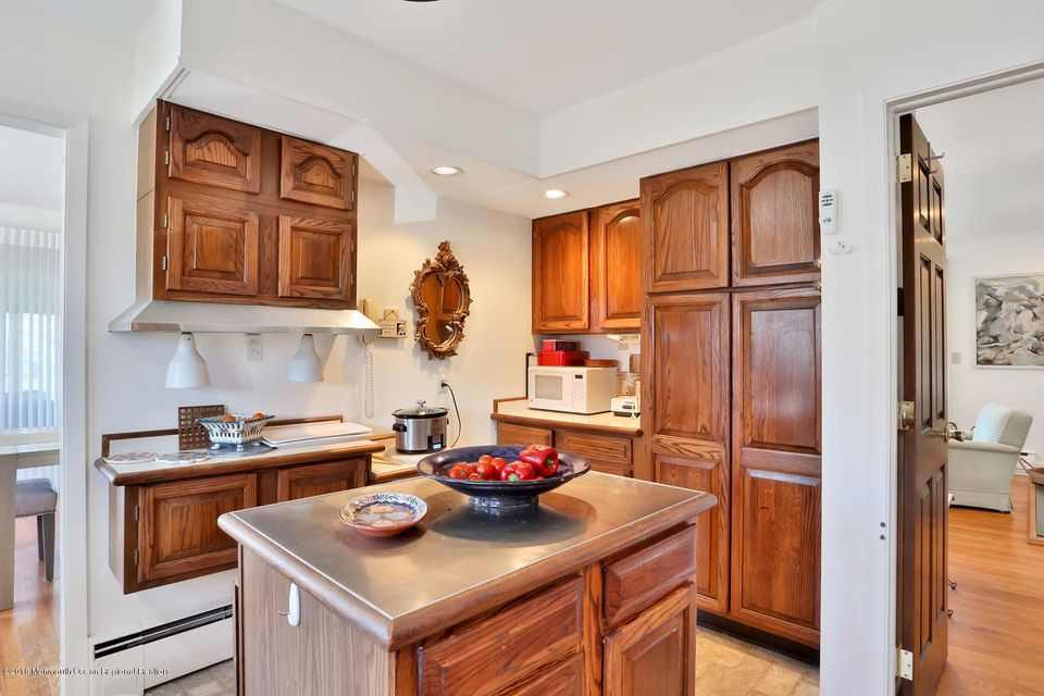 219 S. Lake Kitchen