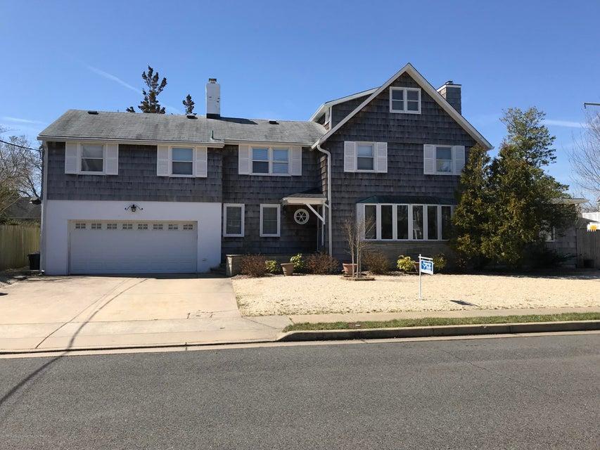 Photo of 109 Grove Street, Bay Head, NJ 08742