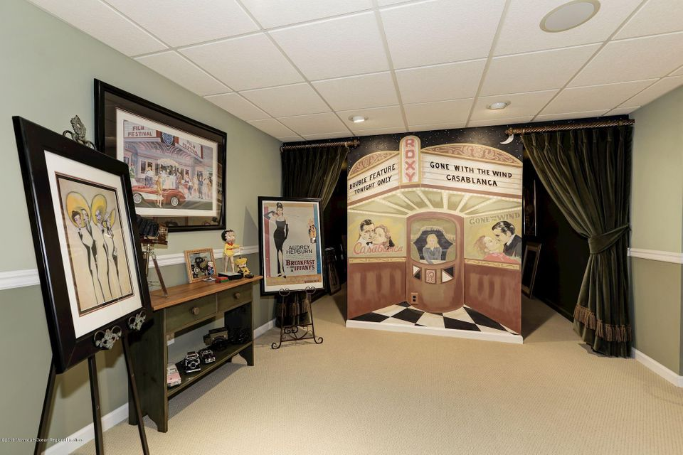 058_33_Country_Club_Rd_230901_332993
