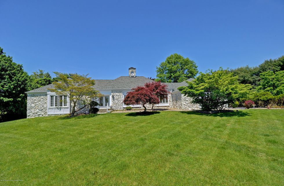28  Grandview Drive, Holmdel, New Jersey