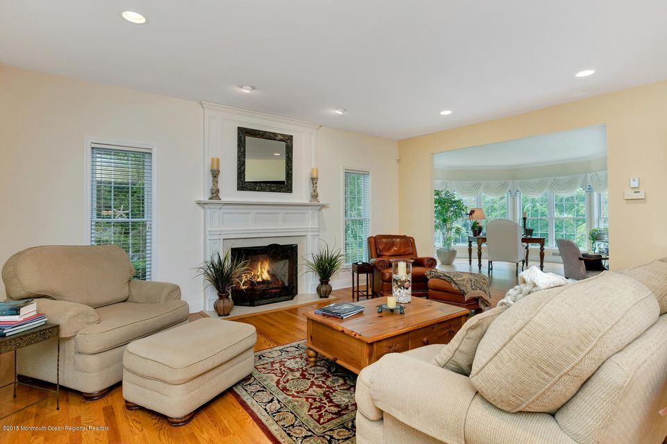 2814 Concord Dr Wall Township-large-009-