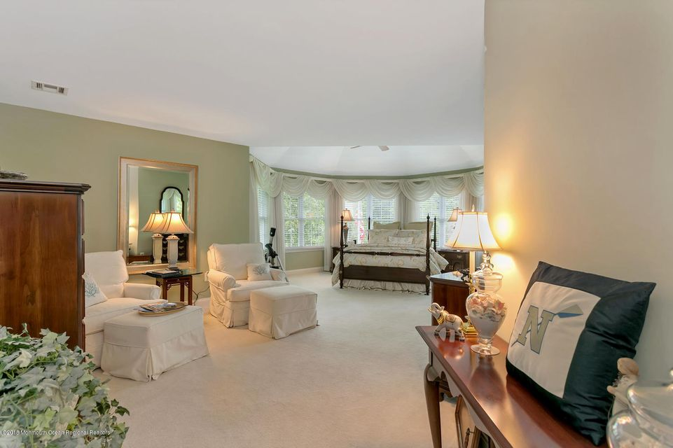 2814 Concord Dr Wall Township-large-028-