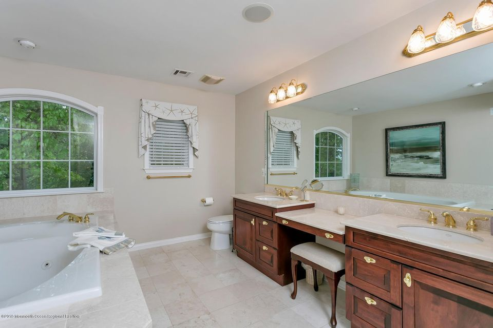 2814 Concord Dr Wall Township-large-031-