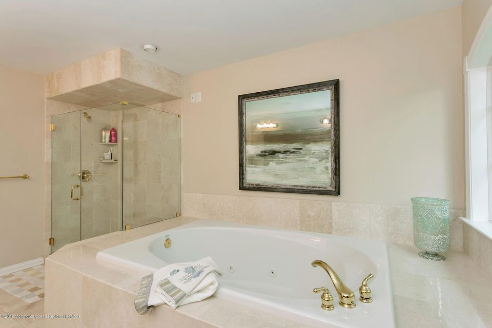 2814 Concord Dr Wall Township-large-032-