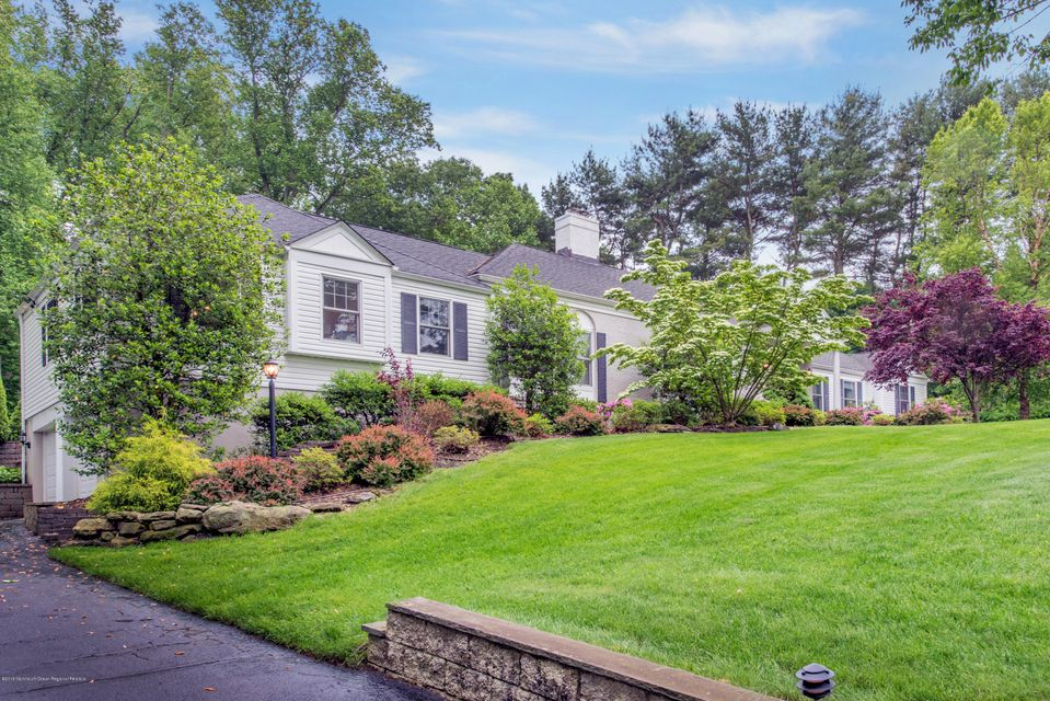 21  Grandview Drive, Holmdel, New Jersey
