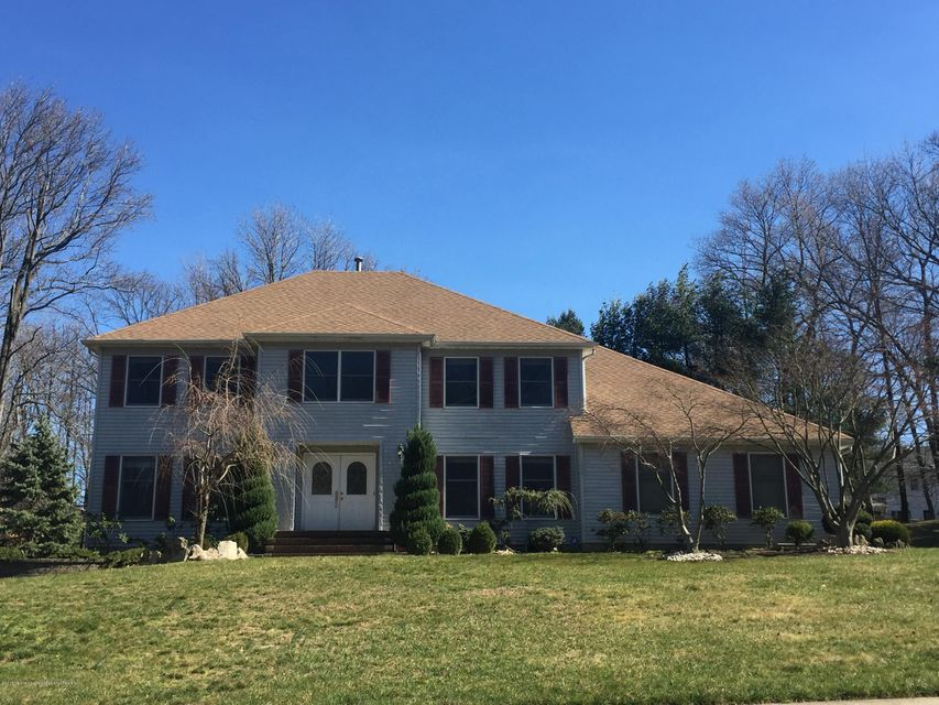 19  Red Coach Lane, Holmdel, New Jersey