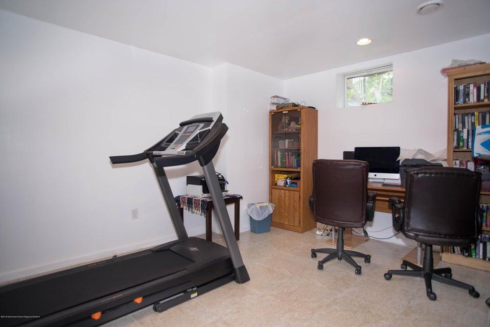 _RMJ7294.jpg basement