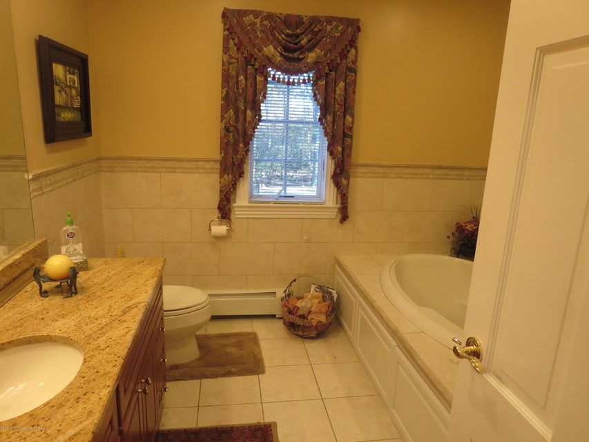 236 2nd Fl Bath