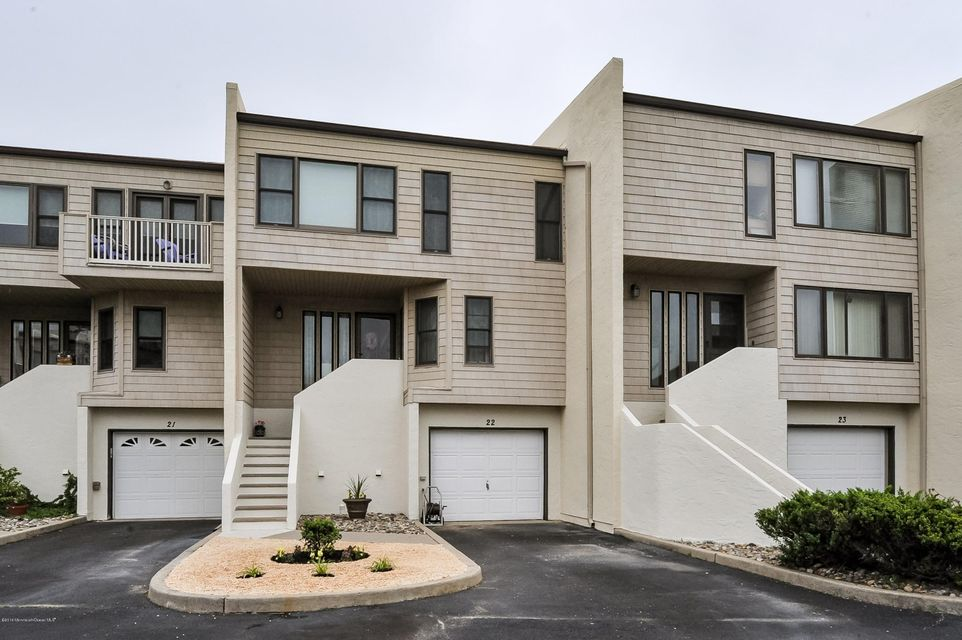 3 Level Townhouse