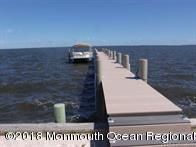 C21 listing for 11 Bluebeard Way pier