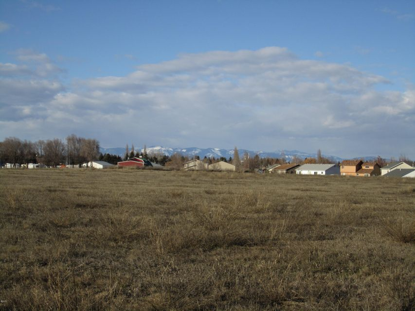 Additional photo for property listing at 2385 Hwy 93  Kalispell, Montana 59901 United States