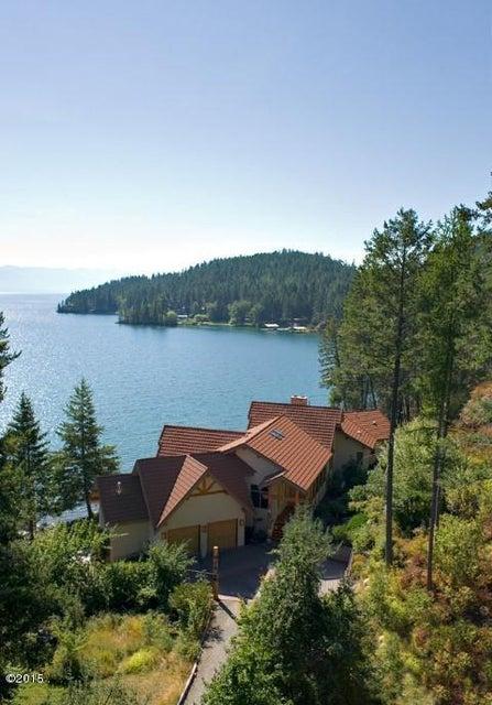 Maison unifamiliale pour l Vente à 335 Hughes Bay Road 335 Hughes Bay Road Lakeside, Montana,59922 États-Unis