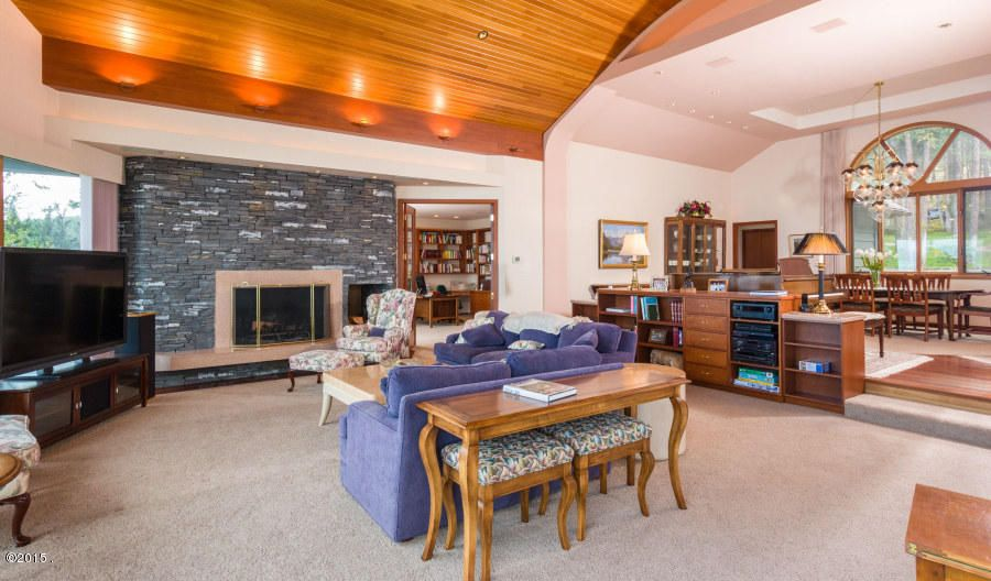 Additional photo for property listing at 275 Tamarack Terrace 275 Tamarack Terrace Lakeside, Montana 59922 United States