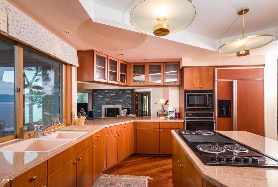 Additional photo for property listing at 275 Tamarack Terrace 275 Tamarack Terrace Lakeside, Montana 59922 United States