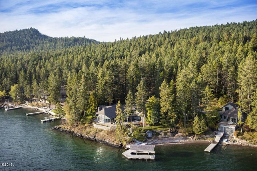 Nhà ở một gia đình vì Bán tại 275 Tamarack Terrace 275 Tamarack Terrace Lakeside, Montana,59922 Hoa Kỳ