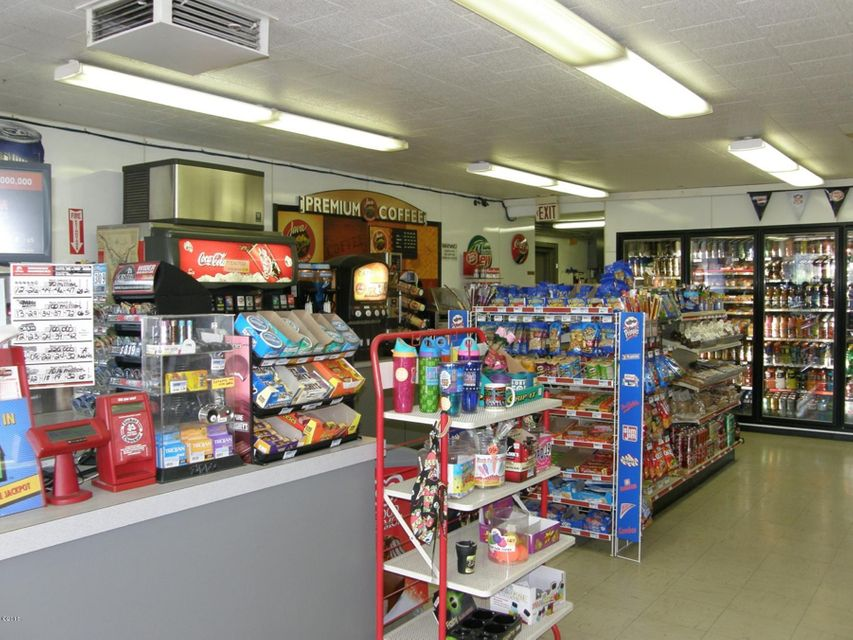 Additional photo for property listing at Nhn Aitkens Quik Stops  Libby, Montana 59923 United States