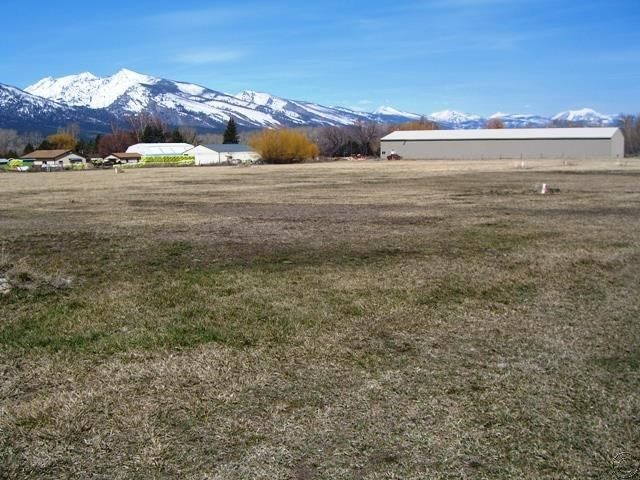 Additional photo for property listing at 628 Highway 93 South  Hamilton, Montana 59840 United States