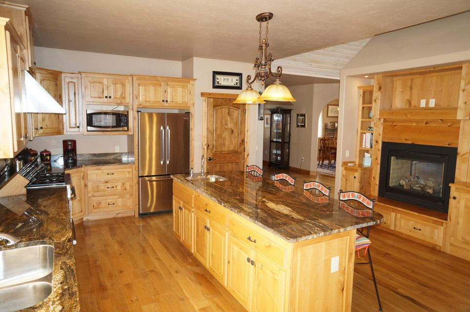 Additional photo for property listing at 305 Emerald Drive  Whitefish, Montana 59937 United States