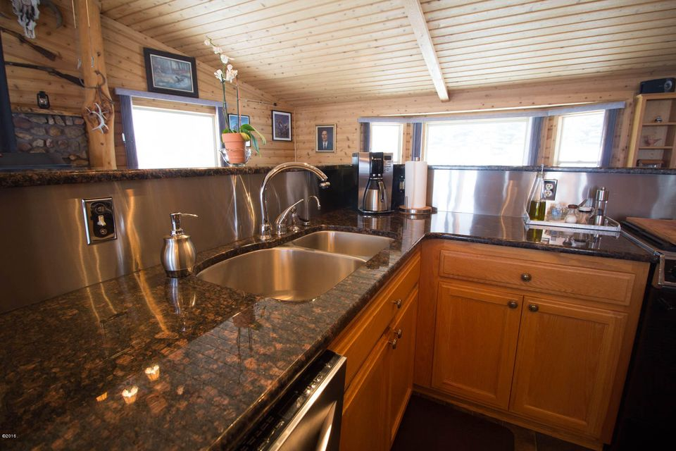 Additional photo for property listing at 399 North Gold Creek Loop  Hamilton, Montana 59840 United States