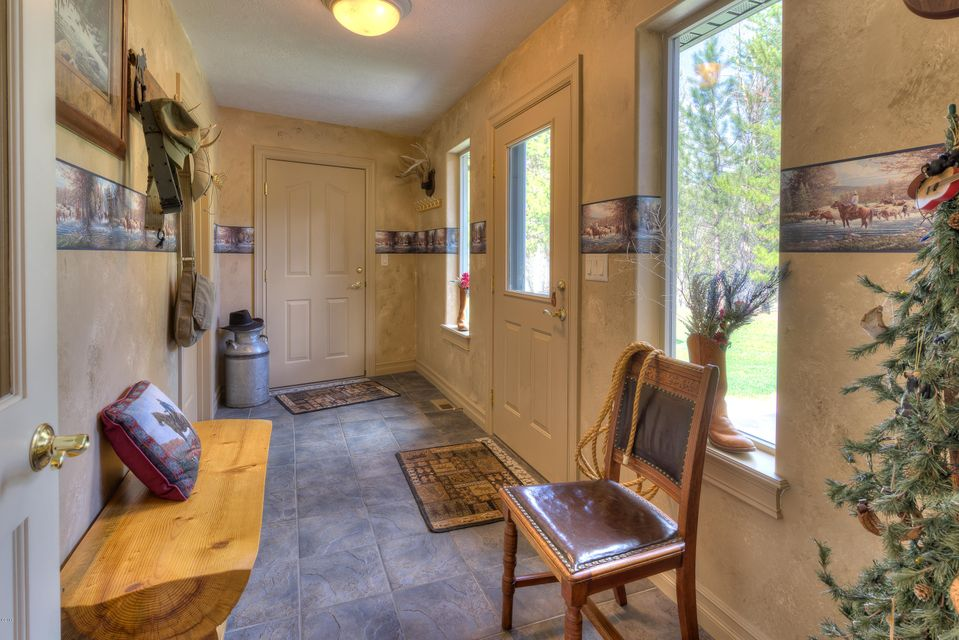 Additional photo for property listing at 140 Alta Drive  Darby, Montana 59829 United States